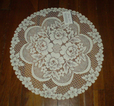 """Heritage Lace Victorian Rose 19"""" Doily"""