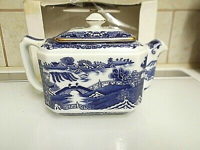 Ringtons Maling Teapot Willow Pattern. Boxed.