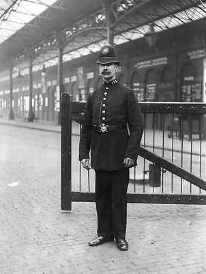 Photo  Taken From A Edwardian Image Of Police Constable At Marylebone  Station