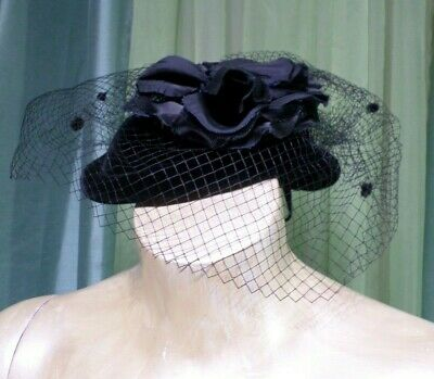 d59d548be28 Plaza Suite by Betmar Vintage Black Fascinator Velvet Pill Box Hat Netting