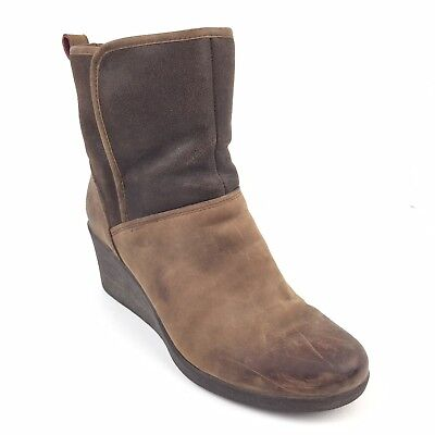cd0f76b4844 Women s Ugg Australia Renatta Stout 1008021 Boots Leather Wedge Heels Size 8