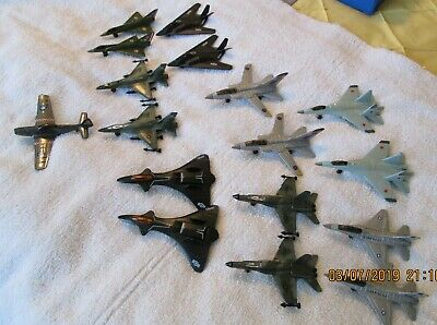 17 PC LOT of Miniature Diecast Airplanes Military Jets Fighters Bombers &  Case