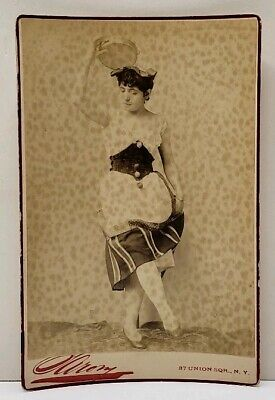 Victorian Actress Theatre Dancer Wallace by Sarony NY Antique Cabinet Photo