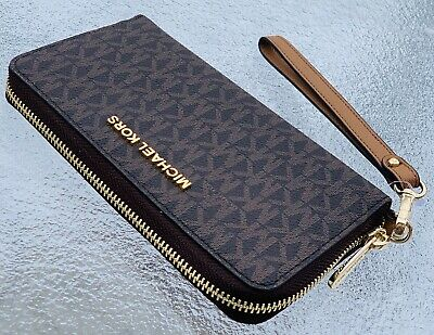 41d042d3febb Michael Kors Jet Set Travel Large Flat Multifunction Phone Case Wallet Brown
