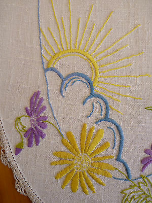 SUNSHINE & CHRYSANTHEMUMS Hand Embroidered Vintage Table Centre Doily