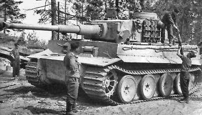 WW2 WWII Photo German Tiger I Tank Crew Loading 88mm Ammo World War Two / 2559