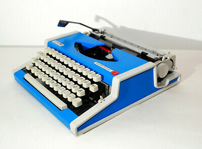 Olympia Traveller de luxe in blue, Vintage typewriter, Made in Germany!