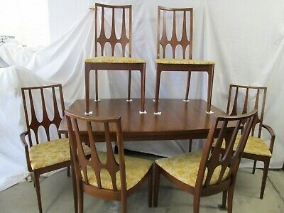 41405f77bdc6 BROYHILL BRASILIA Mid Century Modern Dining Table 2 Captains   4 Regular  Chairs