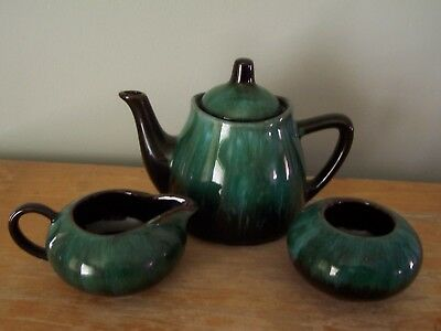 """Vintage Blue Mountain Pottery 5"""" Small Teapot With Cream And Sugar"""