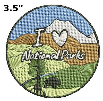 Skunk Embroidered Patch Iron Sew-On Souvenir Travel Explore Nature Parks