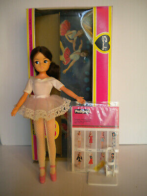 SINDY active BALLERINA complete+box and posing stand -Pedigree 1981
