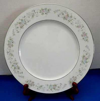 Dinner Plate 10 3/4 in Corsage Pattern from Carlton China EUC Value Priced