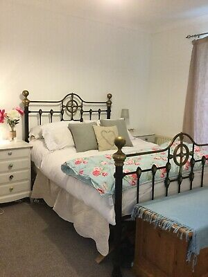 Gorgeous Vintage Brass And Iron Double Bed. Beautiful Details. Great Condition