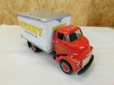 Henry Transportation Inc Dry Goods 1952 Gmc Coe Van 1:34 Scale First Gear Trg-88