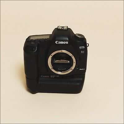 Canon EOS 5D Mark II 21.1MP Digital SLR Camera / Canon Charger / 6 Batteries