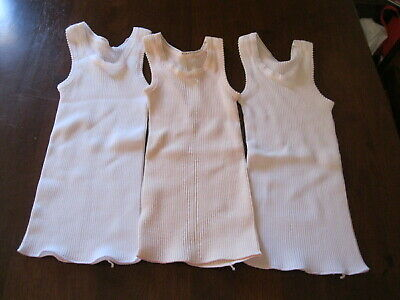 Bonds: Baby Singlets:Size 000 (To fit 3months):Colour White/Pink   x 3:New
