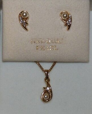 Beautiful Gold Plated NEWQUAY PEARLS Necklace & Earrings Set. Boxed.