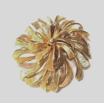 644d080016e Vintage Monet Gold Tone Pin Brooch 3D Round Signed Large Flower Abstract