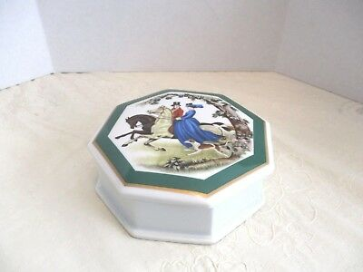 Southern Heirlooms 8-Side Octagon Horse Riding Couple Wte. Porcelain Trinket Box