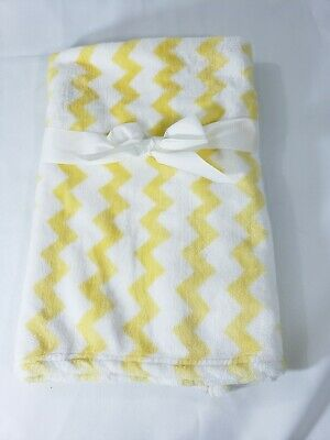"""PERSONALIZED Plush Minky Yellow Chevron Baby Lovely ** Baby Shower Gift 23""""x 29"""""""