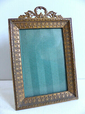 SUPERB ANTIQUE FRENCH LATE 19th CENTURY BRONZE PICTURE PHOTO FRAME 1890's .