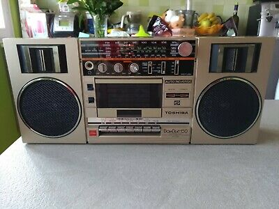TOSHIBA BOMBEAT RT-150S ghettoblaster boombox made in Japan anni 80