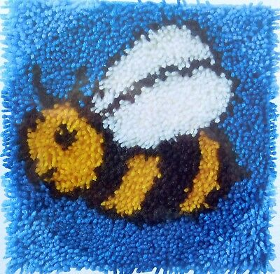 "Wonderart Latch Hook Rug/Pillow  Canvas  Kit  ""Bumblebee"""