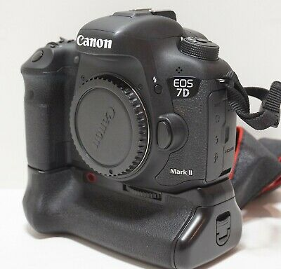 Canon EOS 7D Mark II Black Bundled Battery Grip