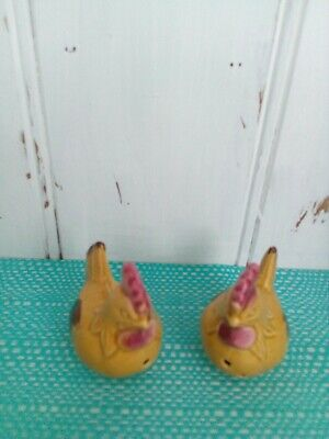 Chickens Salt And Pepper Shakers.