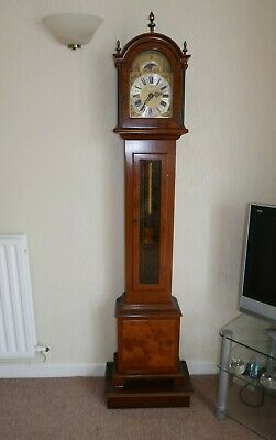 Nice Grandmother clock in full working condition