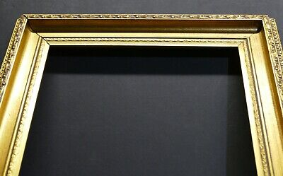 Beautiful Vintage Raised Sloped Cove Ornate Gilded Gallery Frame 17 x 12