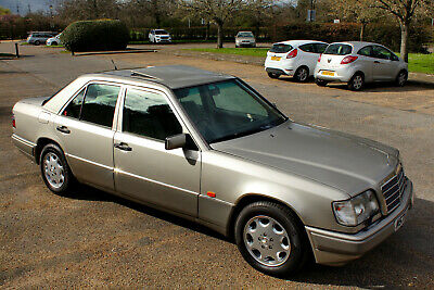 Mercedes-Benz E320 W124 / Low Mileage / Full Service History / Fantastic Example