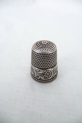 Vintage Sterling Silver Thimble Flower Pattern  11