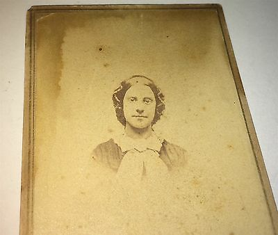 Antique Beautiful Civil War Era Victorian American Woman! Lovely US CDV Photo!