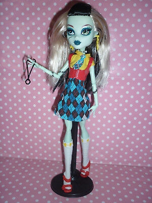 "Monster High Exclusive ""I Love Fashion"" Frankie Stein Doll inc Stand & Accessory"