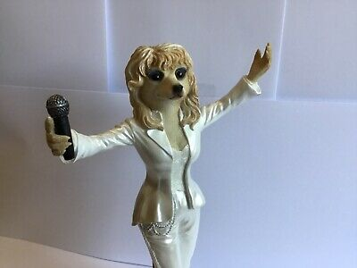 Super Country Artists Magnificent Meerkats Dolly Parton Figure