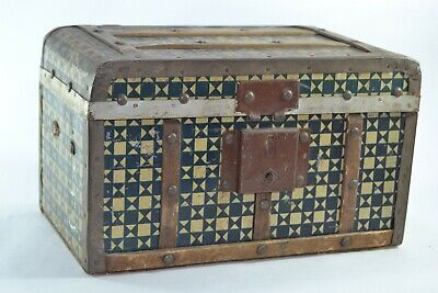 Antique arabic Wooden Hand made tin box 1944 FROM French colonization of Morocco