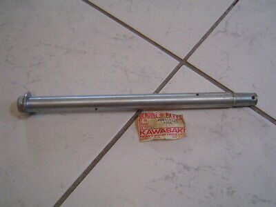 Kawasaki Radachse hinten Axle rear NEW NEU Original 42031-034 Z1R KZ1000  NOS