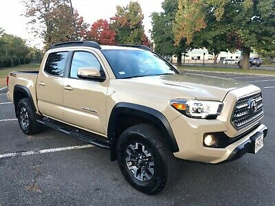 2016 Toyota Tacoma Leather 2016 Toyota Tacoma Off Road *Mint Condition* TRD Leather Seats!