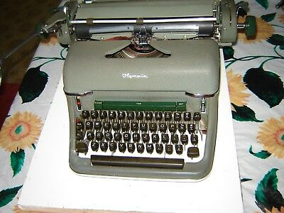 Typewriter Olympia De Luxe 7.6 ; Manufactured in Germany in the early 50s.