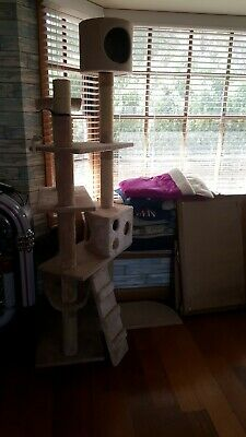 Cat Scratching Post Tree Activity Tower Large 193cm AS NEW.