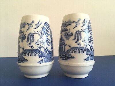Pair of Antique Vintage Blue & White Wedgwood Willow Pattern Spill or Posy Vases
