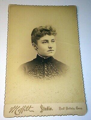 Antique Cabinet Photo Gorgeous Woman Victorian Fashion! NB, CT 1889 - Identified