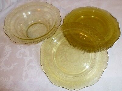 Federal Depression Glass Patrician Spoke luncheon plates & bowl set amber