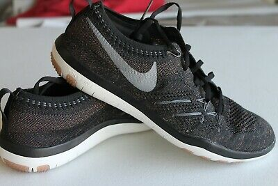 the best attitude 75443 1c5be Womens Nike Free TR Focus Flyknit Black Gold Sparkle Sz. 7 844817-002