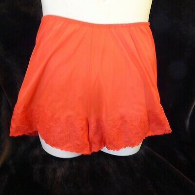 Beautiful Red Bri Nylon Taylor Wood Vtg Knickers w 20-36 inches