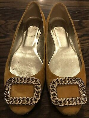 92e3753f7297 Roger Vivier Mustard Yellow Suede Gold Chain Embellished Ballet Flats 35.5  5.5