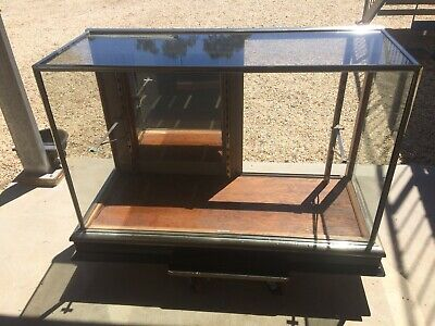 glass display case cabinet