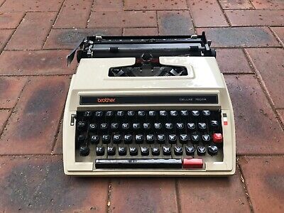 Vintage Brother Deluxe 760 TR Portable Typewriter