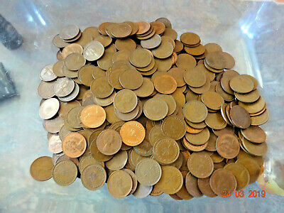 Approx 1kg of  Half Penny pence Pieces  Decimal 1/2 Pence. hundreds!
